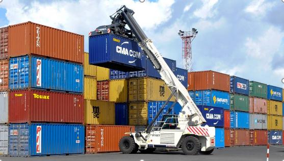 Cước vận chuyển container lên mức 12.000 USD, khả năng kéo dài đến năm 2022